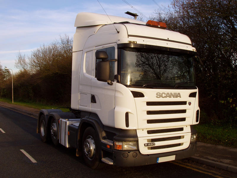 Laurie dealer s used truck of the week 6 12 12 for Commercial motor used trucks