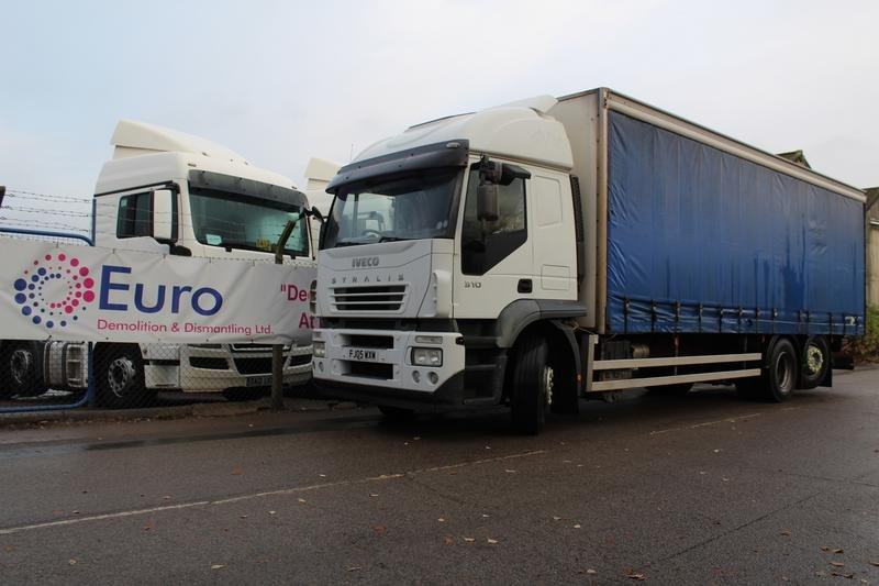iveco stralis 6x2 curtain sided rigid sleeper cab 779706 commercial motor. Black Bedroom Furniture Sets. Home Design Ideas