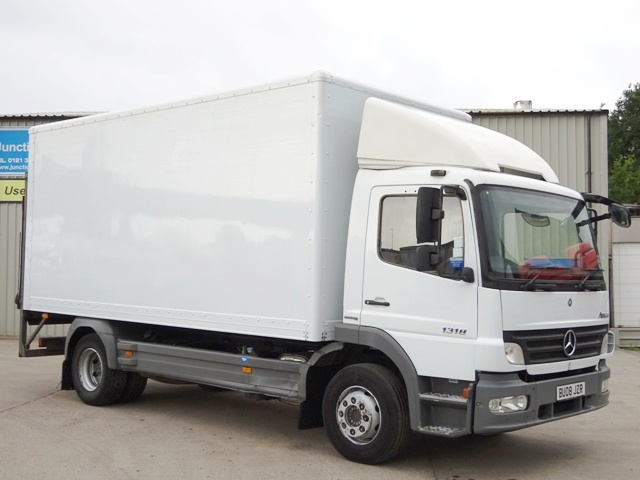 2008,08 reg Mercedes-Benz Atego 1318 17 Foot 7ins Box c/w Taillift