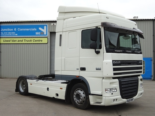 2009,09 reg Daf FT XF105.410 Spacecab 4x2 LOW HEIGHT Tractor Unit