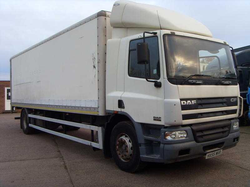 DAF - CF75 - 2006, 28ft Box Body Truck, Manual, Day Cab