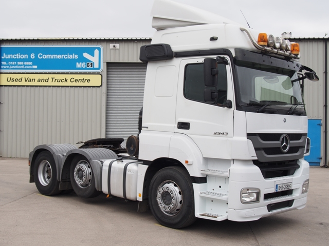 2010,Mercedes-Benz Axor 2543LS Sleeper 6x2 Tractor Unit