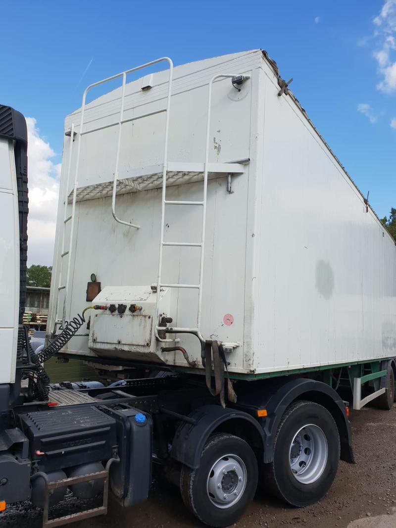 2003 United Trailers 120 yrd Walking floor trailer