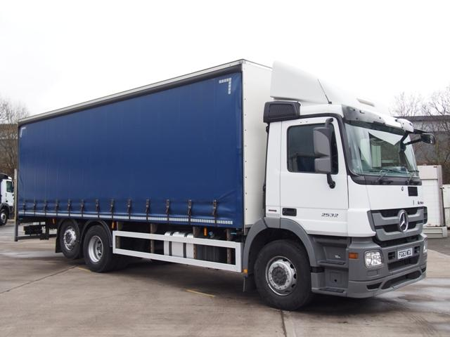 2013,63 reg Mercedes-Benz Actros 2532 28 Foot Curtain c/w Taillift