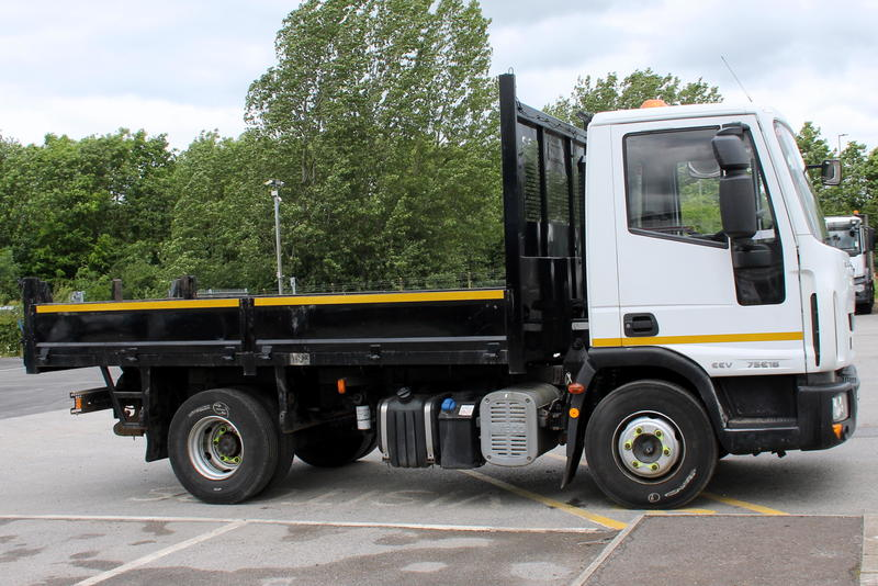 YE14 UCN - Iveco 7.5T Tipper