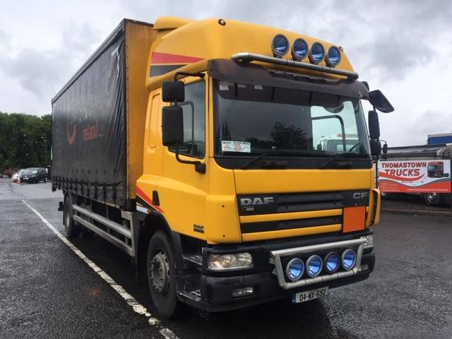 2004 DAF CF65-250 WITH 25FT CURTAINSIDE BODY