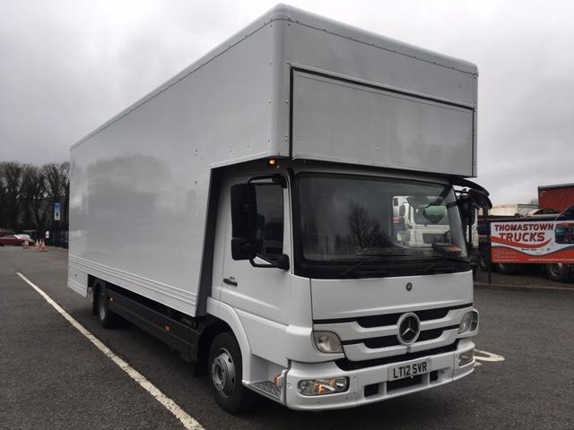 2012 MERCEDES ATEGO 816 DAYCAB 23FT FURNITURE DROPWELL BODY