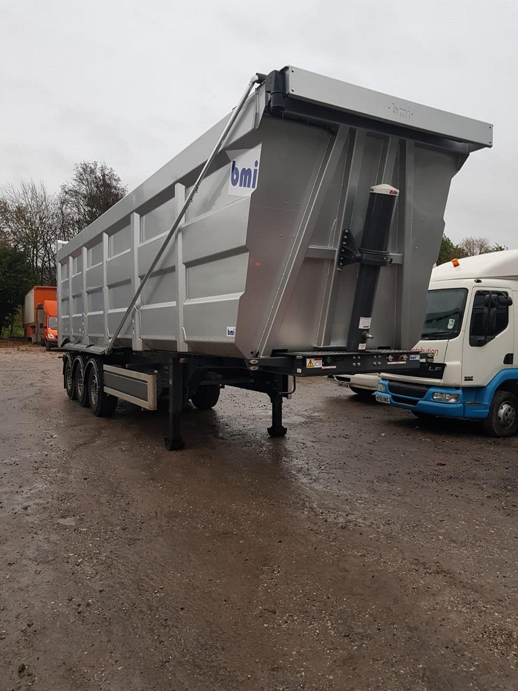 BMI 70CuYd Steel Hardbox c/w Barn Doors