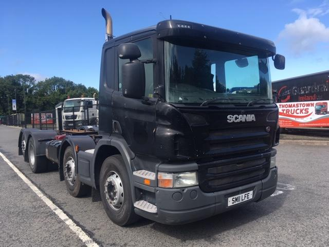 2011 SCANIA P360 8X2 CHASSIS & CAB,