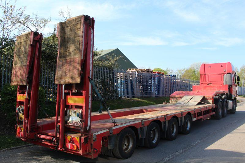 FOR HIRE: Nooteboom OSD-73-04 Semi Low Loader Trailer