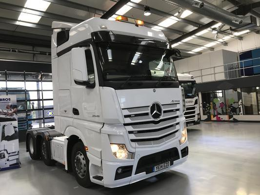 Mercedes Actros 2545 Big Space 6x2 Tractor
