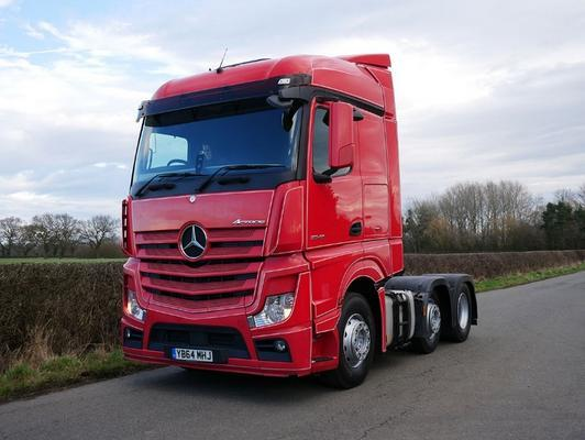 Mercedes Benz Actros 2545 6 X 2 Tractor Unit (YB64MH)