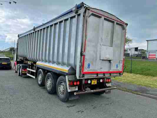 Montracon Tipping trailer (2018)