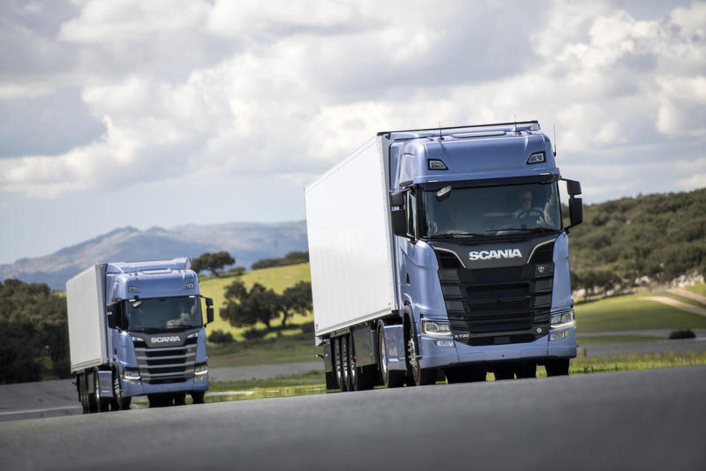 new scania s and r trucks launched commercial motor. Black Bedroom Furniture Sets. Home Design Ideas