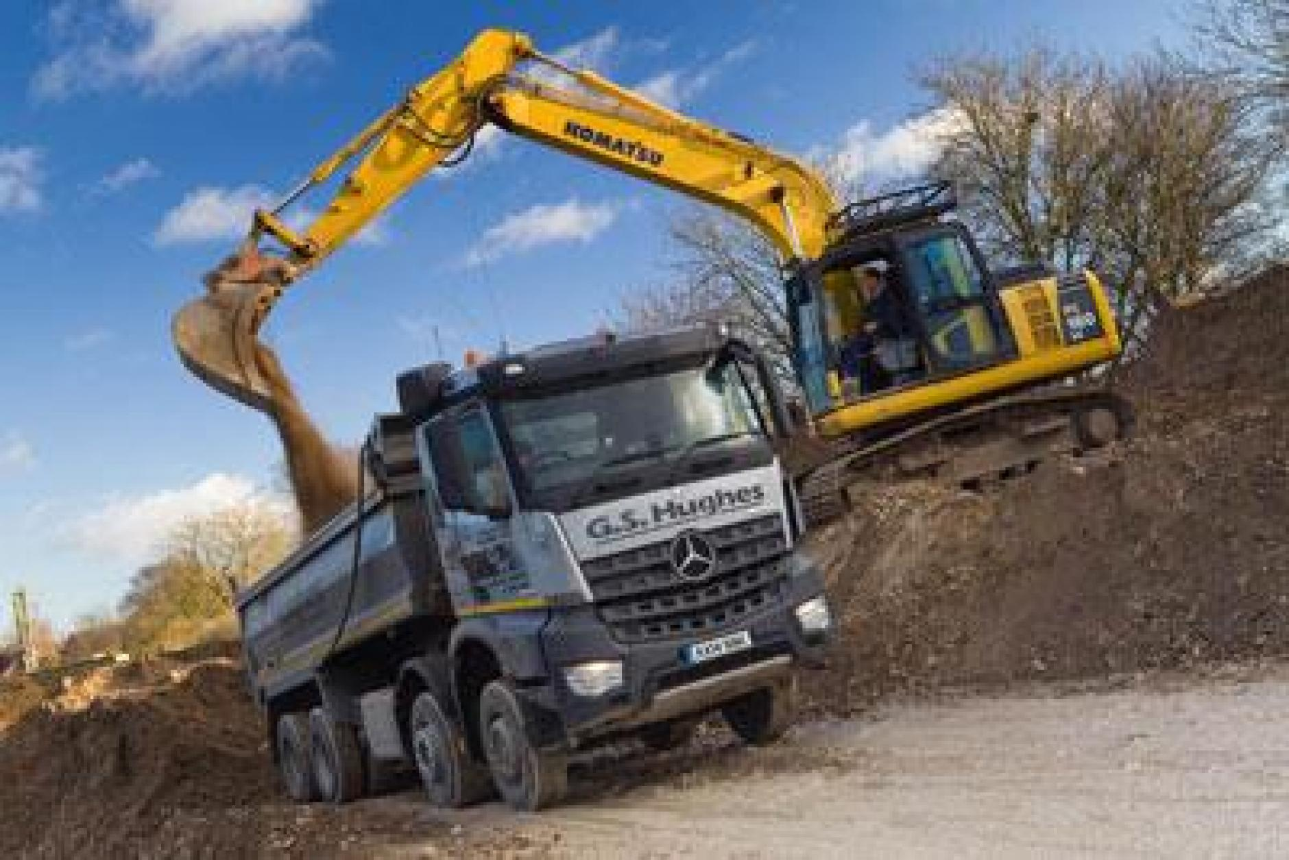 Mercedes benz arocs tippers performing strongly at for Mercedes benz gs