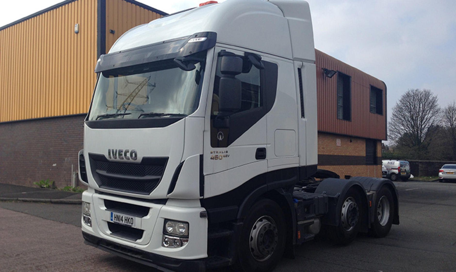 Commercial motor s used truck of the week 2014 iveco for Commercial motor used trucks