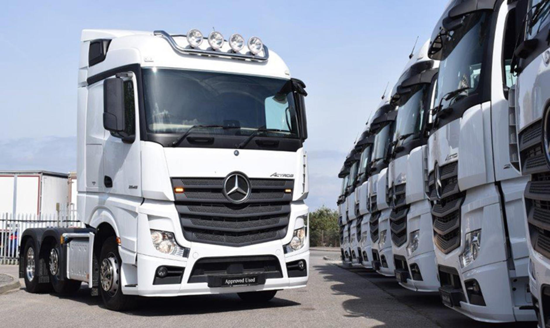 Commercial motor dealer drop in city west commercials for Mercedes benz commercial trucks
