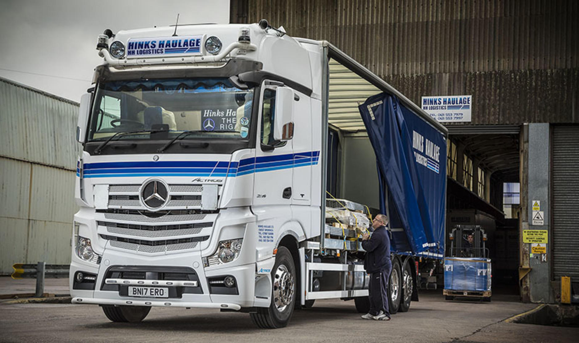 Hinks Haulage Mercedes-Benz Acros