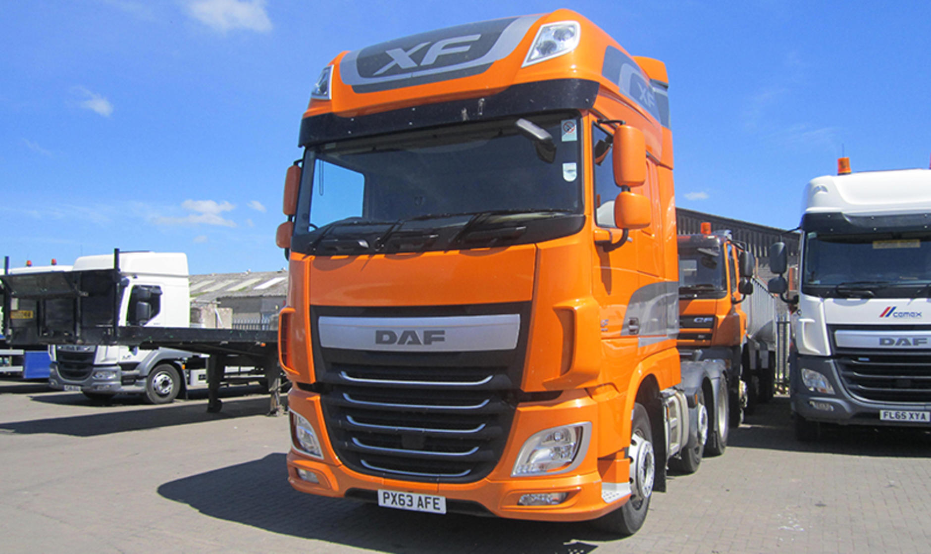 Commercial motor truck of the week daf xf 6x2 tractor for Commercial motor used trucks