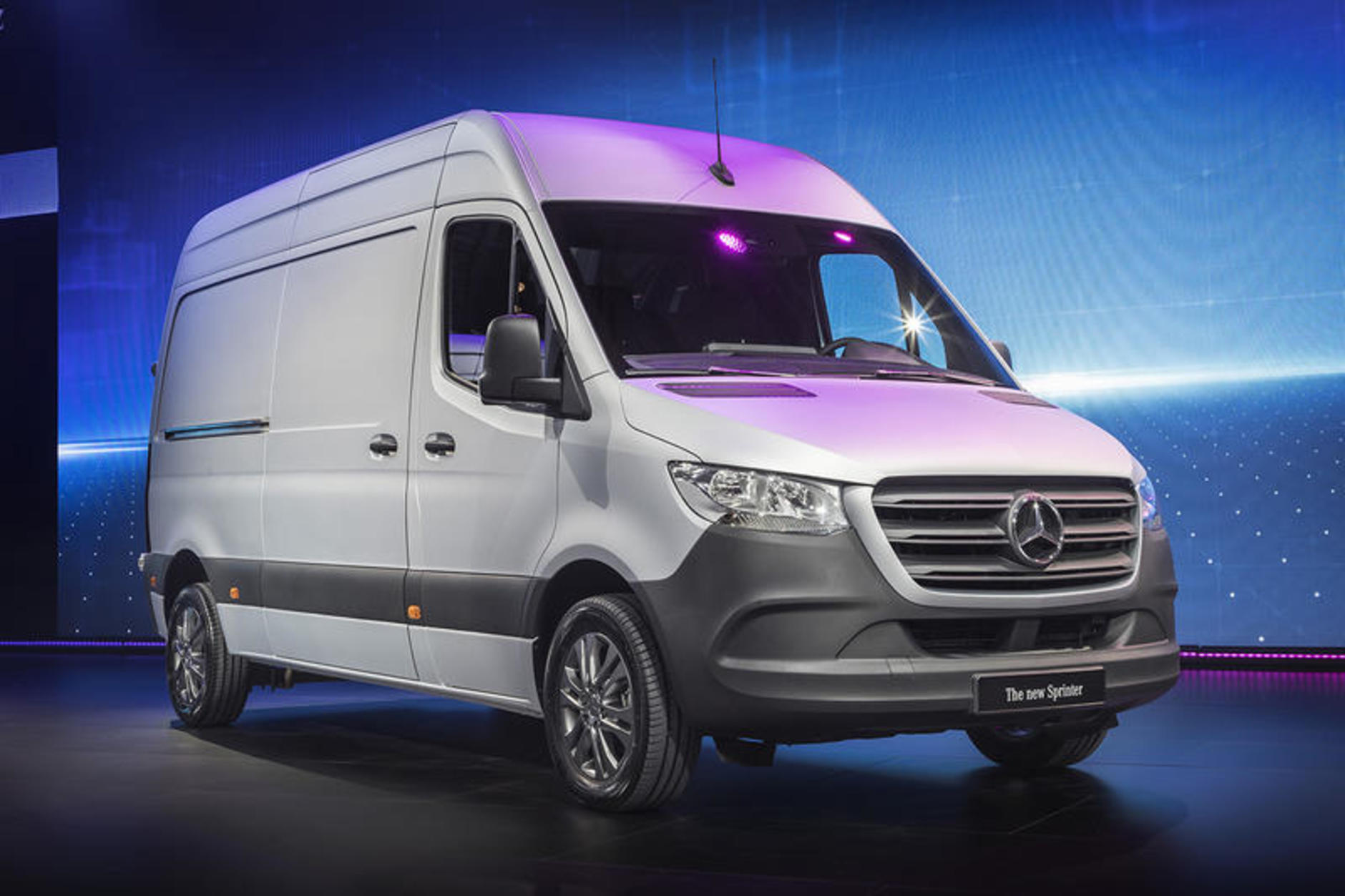 new mercedes benz sprinter launched commercial motor. Black Bedroom Furniture Sets. Home Design Ideas