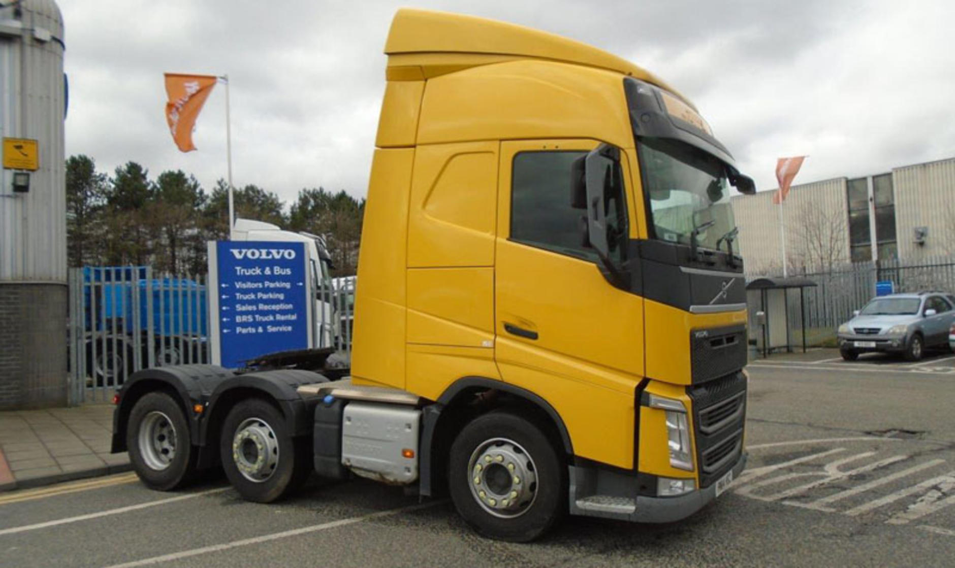 2014 volvo fh13 6x2 460 with globetrotter cab commercial for Commercial motor used trucks