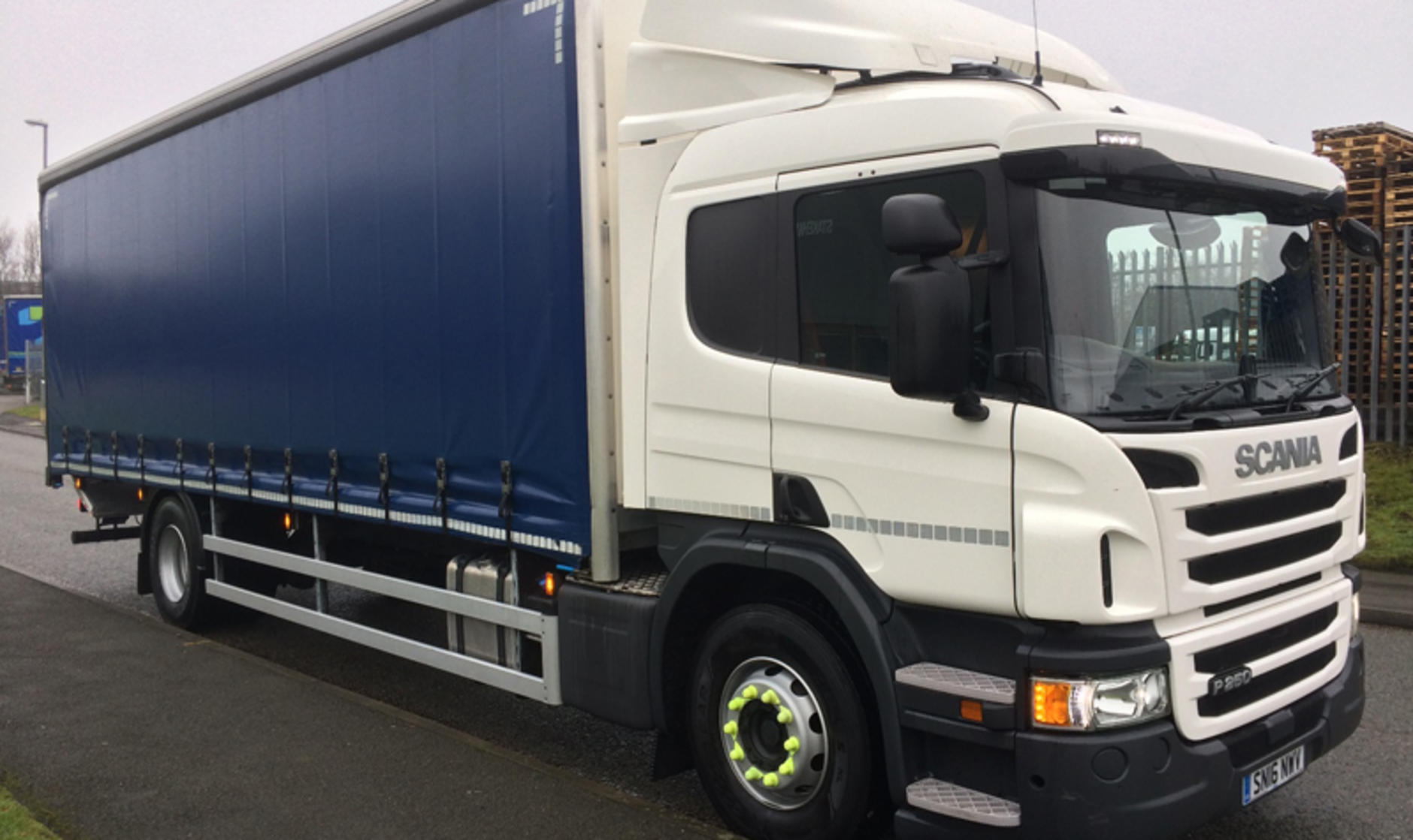 Scania p250 18 tonne curtainsider commercial motor s used for Commercial motor used trucks