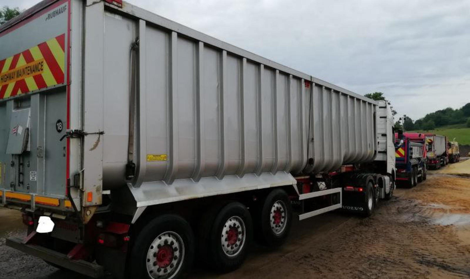Fruehauf bath tub trailer