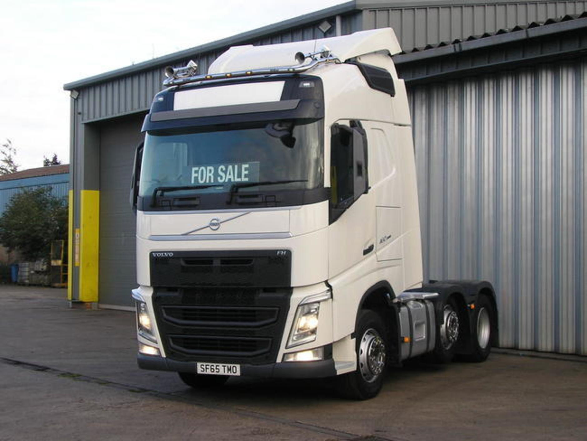 65-plate Volvo Fh 460 6x2 Mid-lift Tractor Unit