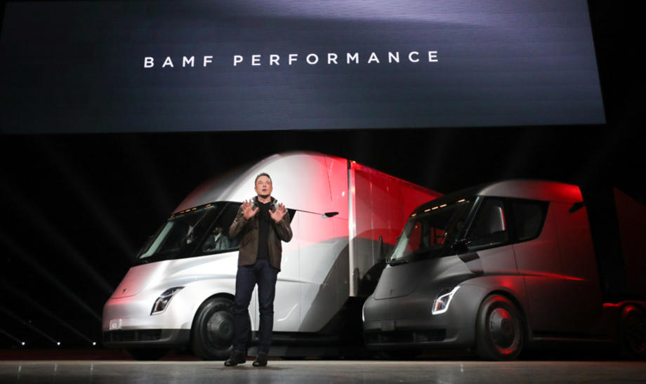 Tesla Semi launch with Elon Muck, founder