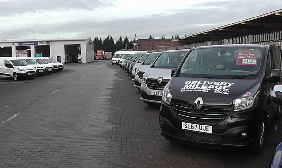 5bfb139390 First UK van store for Evans Halshaw