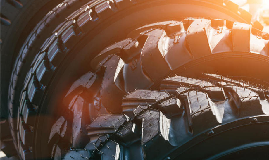 A deep dive into the selection, buying methods and maintenance of tyres and wheels