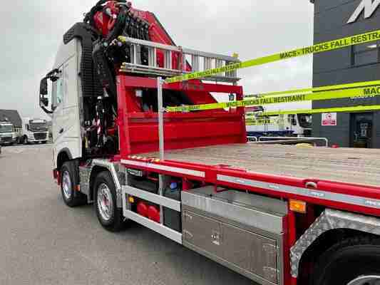 Volvo (2021) FH500 8×2 F710 Flatbed